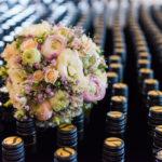 Brautstrauss auf Spiezer-Wein
