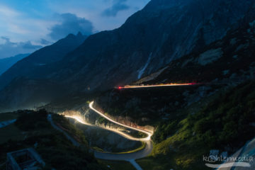 Lichtspuren am Grimselpass