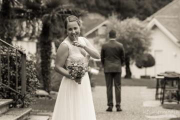 Braut überrascht Bräutigam
