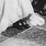 Schuhe und Hochzeitskleid